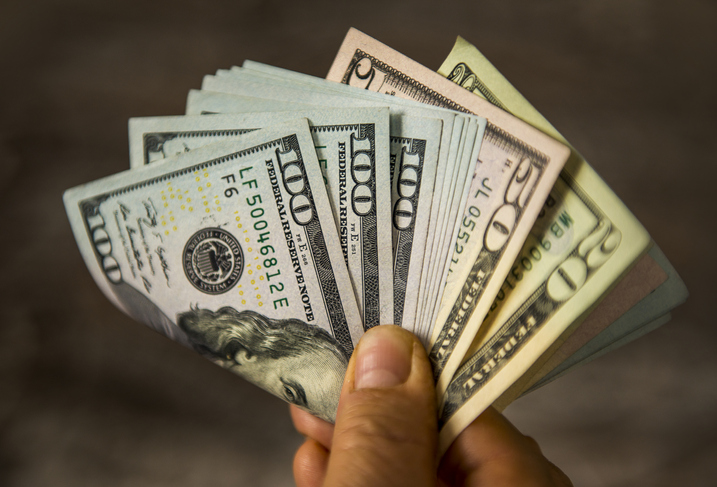 Are There Benefits to Sell My House in Beaverton for Cash?